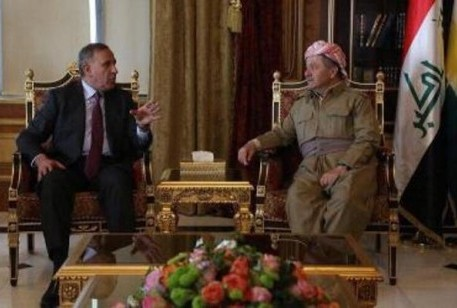 مسعود البارزاني ووزير الدفاع خالد العبيدي