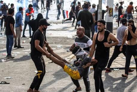إصابات بين صفوف المحتجين بحالات طعن