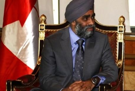 وزير الدفاع الكندي هاجرت ساجان